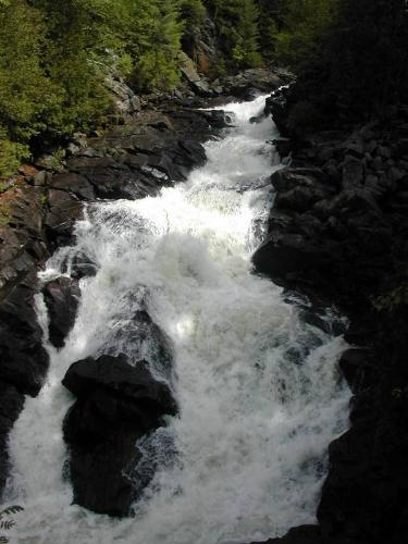 Ragged Falls with more water, photographer unknown